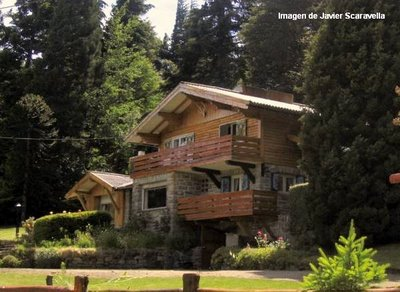 Eco space dise o y planeacion en eco arquitectura - Chalet de madera y piedra ...
