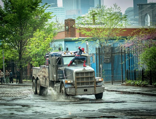 andrew garfield punches a truck