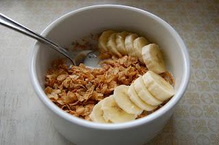 نخالة القمح والموز وجبة افطار صحية