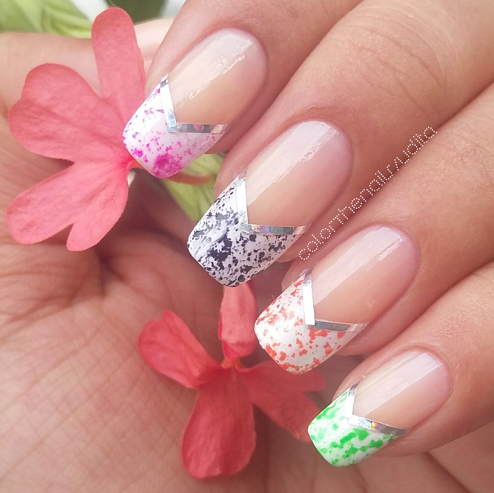 OMD 31 Day Challenge DAY 8 V-SHAPE | Color The Nails