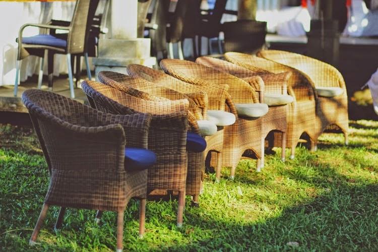 Kursi-kursi ini juga bisa dipakai sebagai tempat duduk yang mendukung konsep dekorasi outdoor.