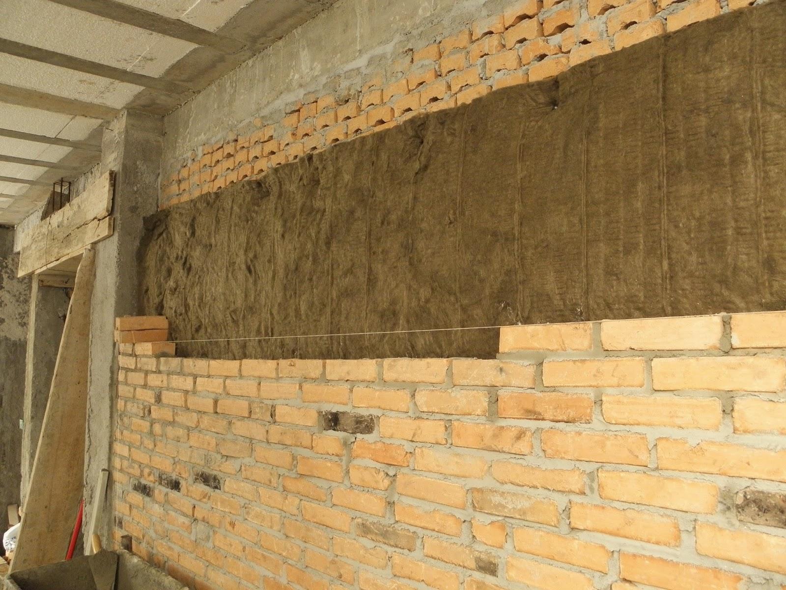 #A77524 As paredes duplas já com a lã de rocha no meio fazendo um  472 Janelas Duplas Isolamento Acustico