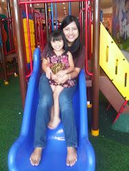 me n my cousin, Hana