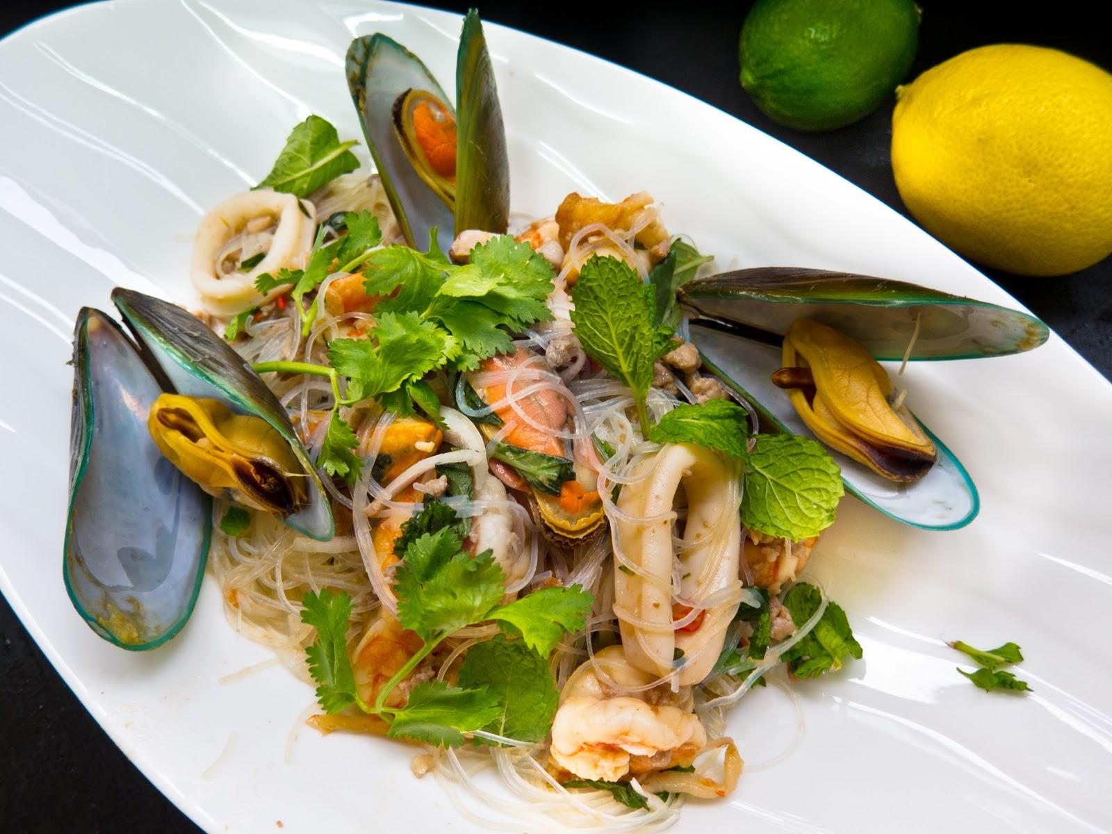 Yum Woon Sen (Thai Noodles Salad With Shrimp) Recipe — Dishmaps