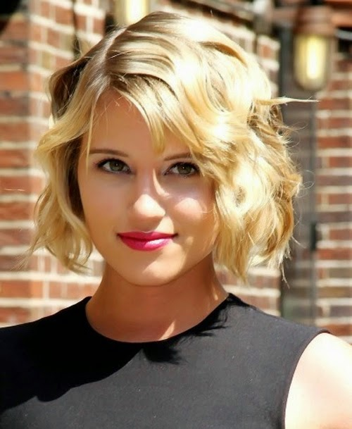 Short wavy bob hairstyle for thin hair