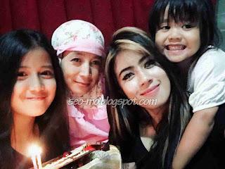 Foto Indri Barbie Dengan Keluarganya