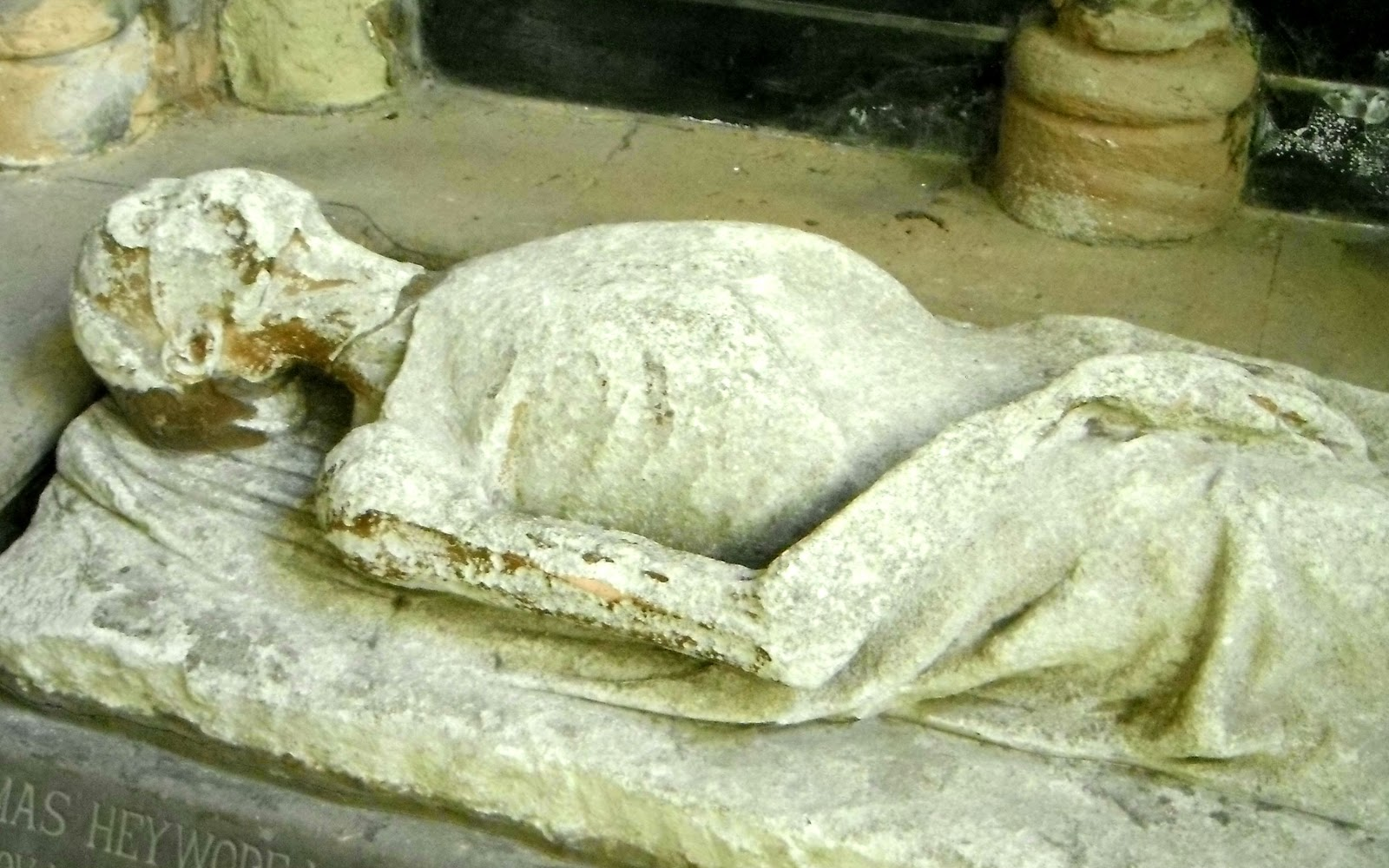 Monument to Thomas Heywode in Lichfield Cathedral