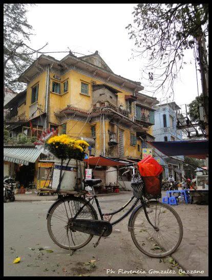 bicicleta con flores hanoi