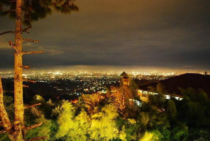 Pemandangan Lampu Kota Bandung