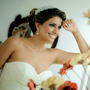 Nívia. Eternamente noiva. Esposa apaixonada do Sidnei.