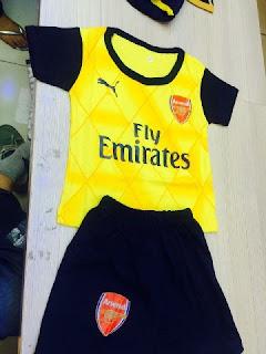 gambar desain terbaru arsenal away gold emas musim depan foto photo kamera Jersey setelan bayi Arsenal away terbaru musim 2015/2016 di enkosa sport toko online terpercaya lokasi di jakarta pasar tanah abang