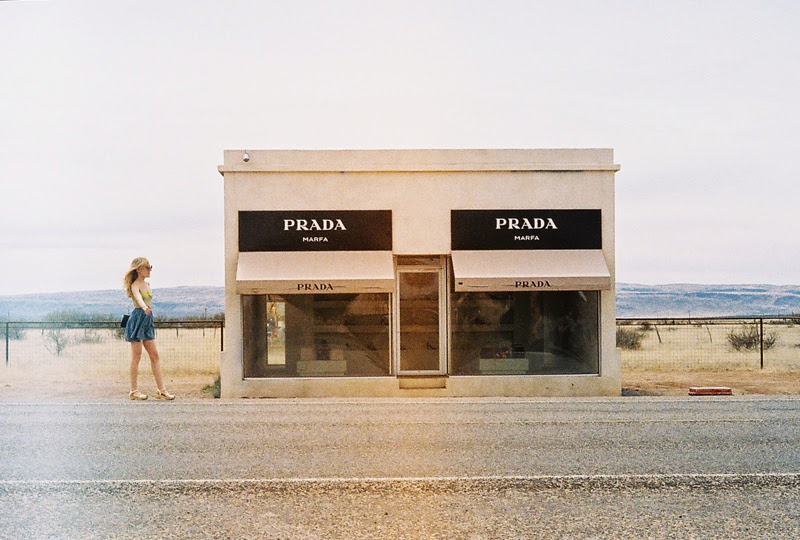 hitchhiking at prada marfa