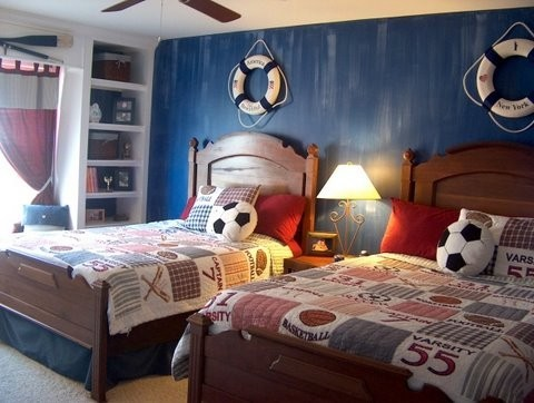 Paint ideas for a boys room boys room makeover games for Decorating boys bedroom ideas photos