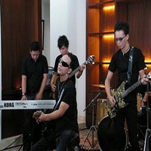 Lirik+Video Erry Band - Mata Hati (Ost. Orang Pinggiran)