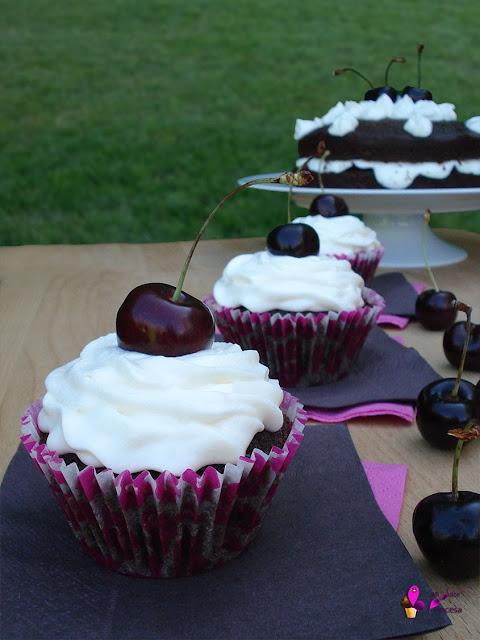 cereza, chocolate, chocolate y cereza, cupcake, cupcakes, selva negra, tarta, tarta selva negra,