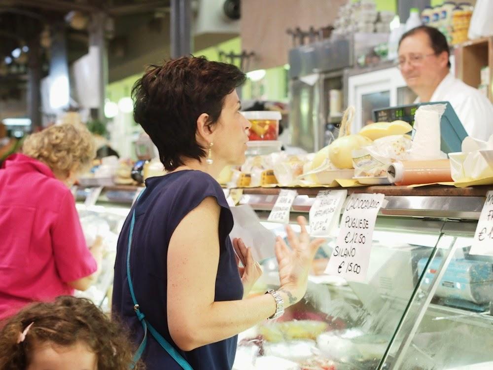 Modenalaisella ruokatorilla