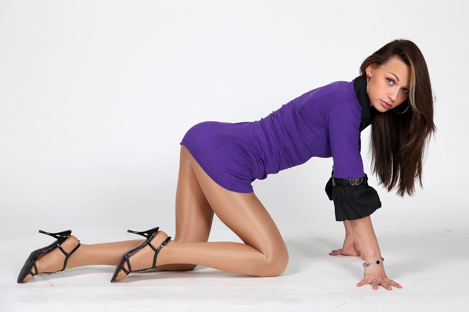 http://4.bp.blogspot.com/-6b5QhixAaw4/UIrZVszZqoI/AAAAAAAANos/wws41bAtwds/s1600/Brunette+Beautiful+Legs.jpg