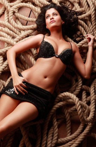 shreya dhanwanthary bikini photo gallery