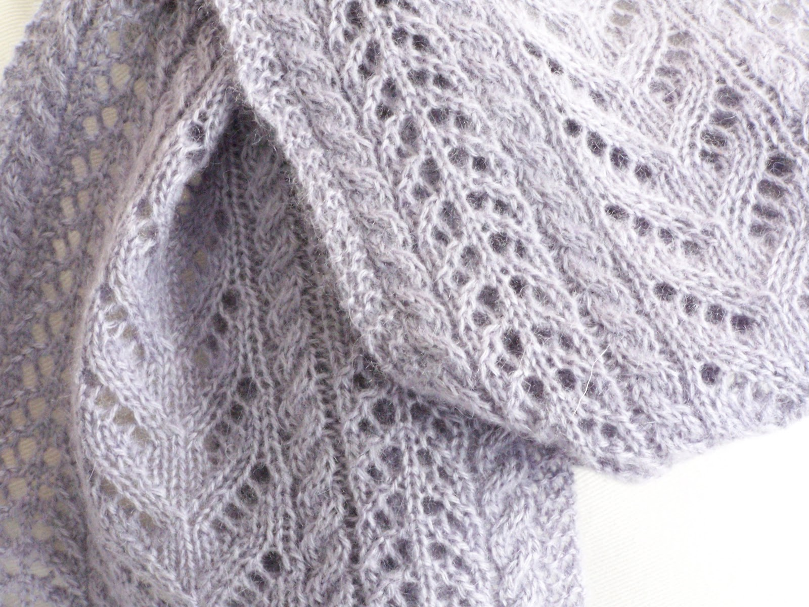 Delorme Designs: NEW SCARF PATTERN! FINALLY!!!