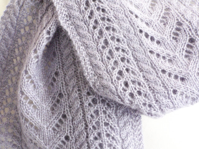 Knitting Patterns Using Patons Lace Yarn : Delorme Designs: NEW SCARF PATTERN! FINALLY!!!