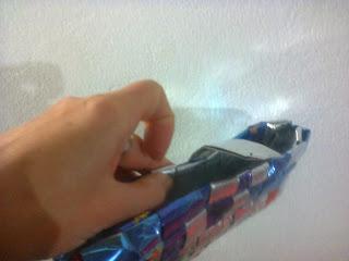 Monedero de papel metalizado   trenzado
