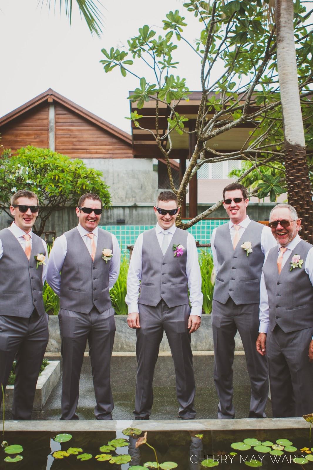 Photos of groom and groomsmen, thailand wedding photo ideas, natural photos of groom and his friends,