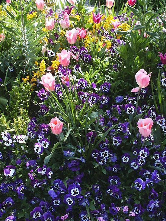 Jard n y terrazas flores de jard n decorar el jard n con - Jardines con estilo ...