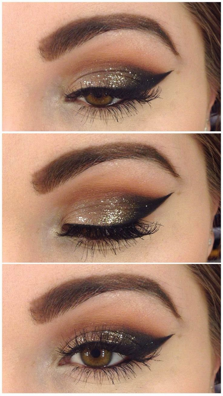 Gold Sparkles in Vision Winged Liner Gold Sparkles