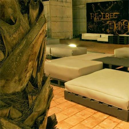 Muebles elegantes y de dise o hechos for Diseno muebles hechos palets