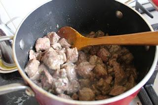 Thịt cừu hầm với rượu nho 6