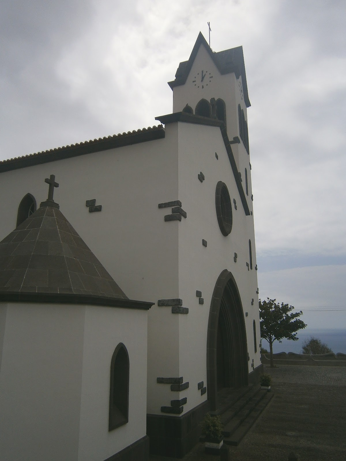 fotográfico: IGREJA PAROQUIAL DE SÃO GONÇALO FUNCHAL (Madeira) #515961 1200x1600