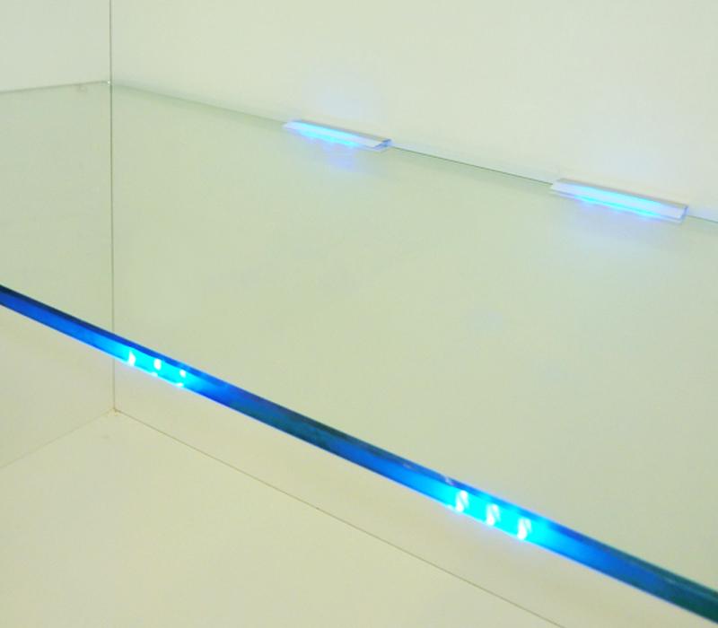 kopps kontor licht und m bel trends jetzt wird s blau. Black Bedroom Furniture Sets. Home Design Ideas