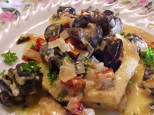 Escargots à la crémeuse de tomates séchées, au basilic et au vin blanc