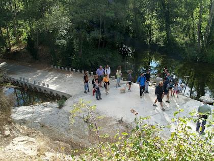Els Mesclaments, el lloc on s'uneixen el Fornés, a la dreta de la imatge, amb el riu Ges, que apareix a l'esquerra
