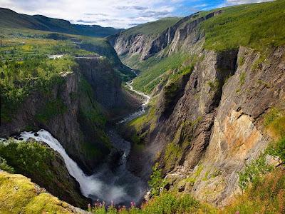 Cachoeira Voringsfossen – Noruega