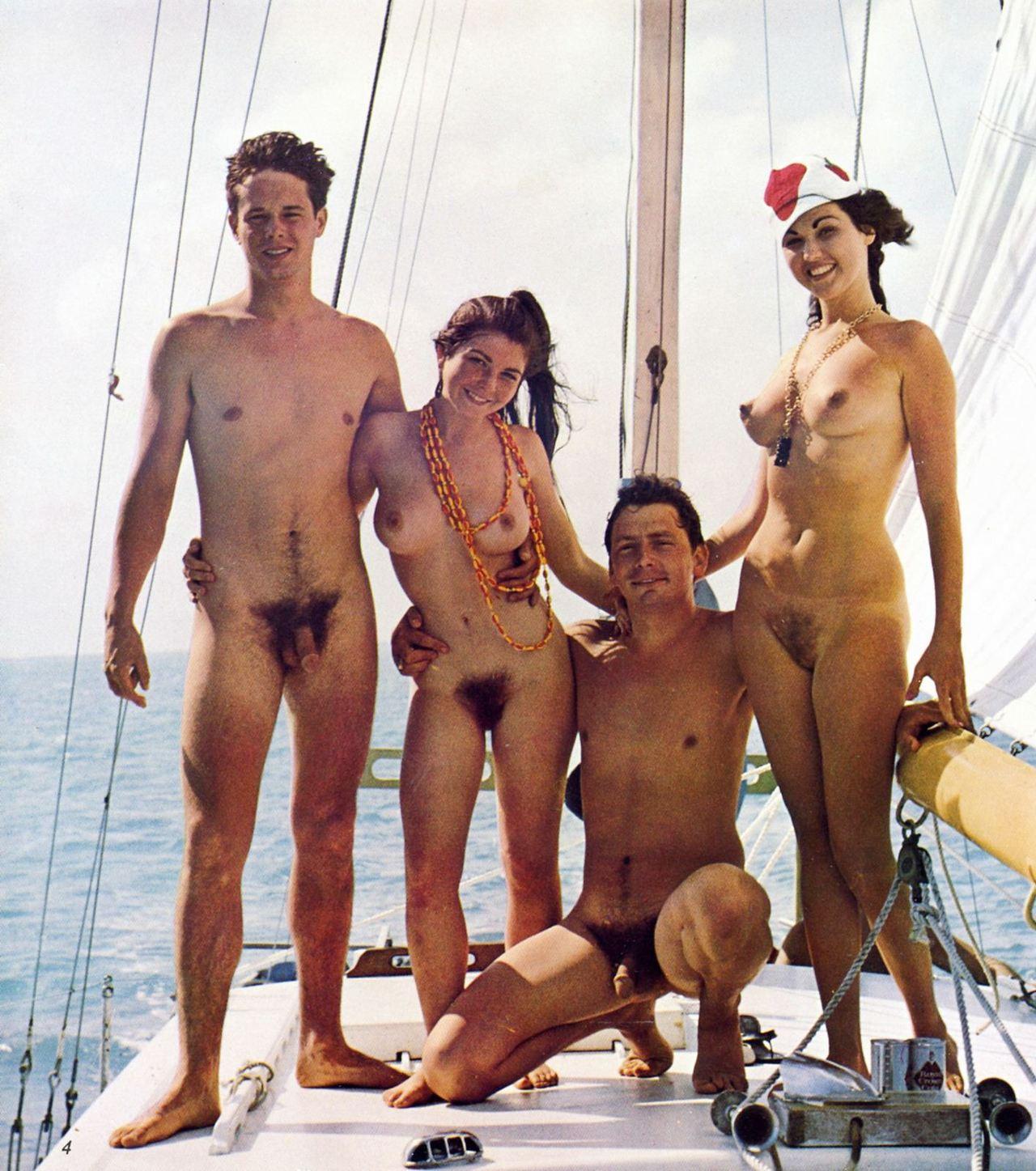 Фото нудистов мужчин вместе с женщинами 21 фотография