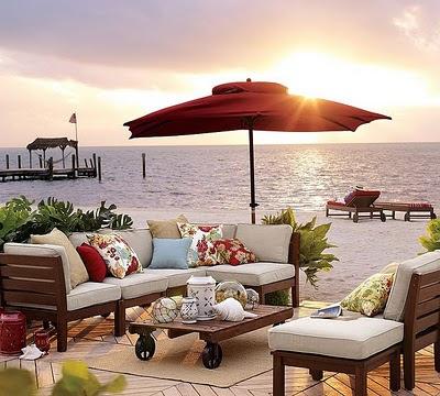 terraço à beira mar