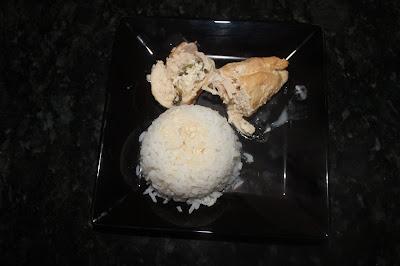 enroladinho de frango com ricota com molho 4 queijos Mococa
