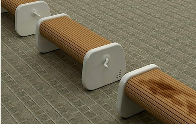 Benches that you can turn to always have a dry seat.