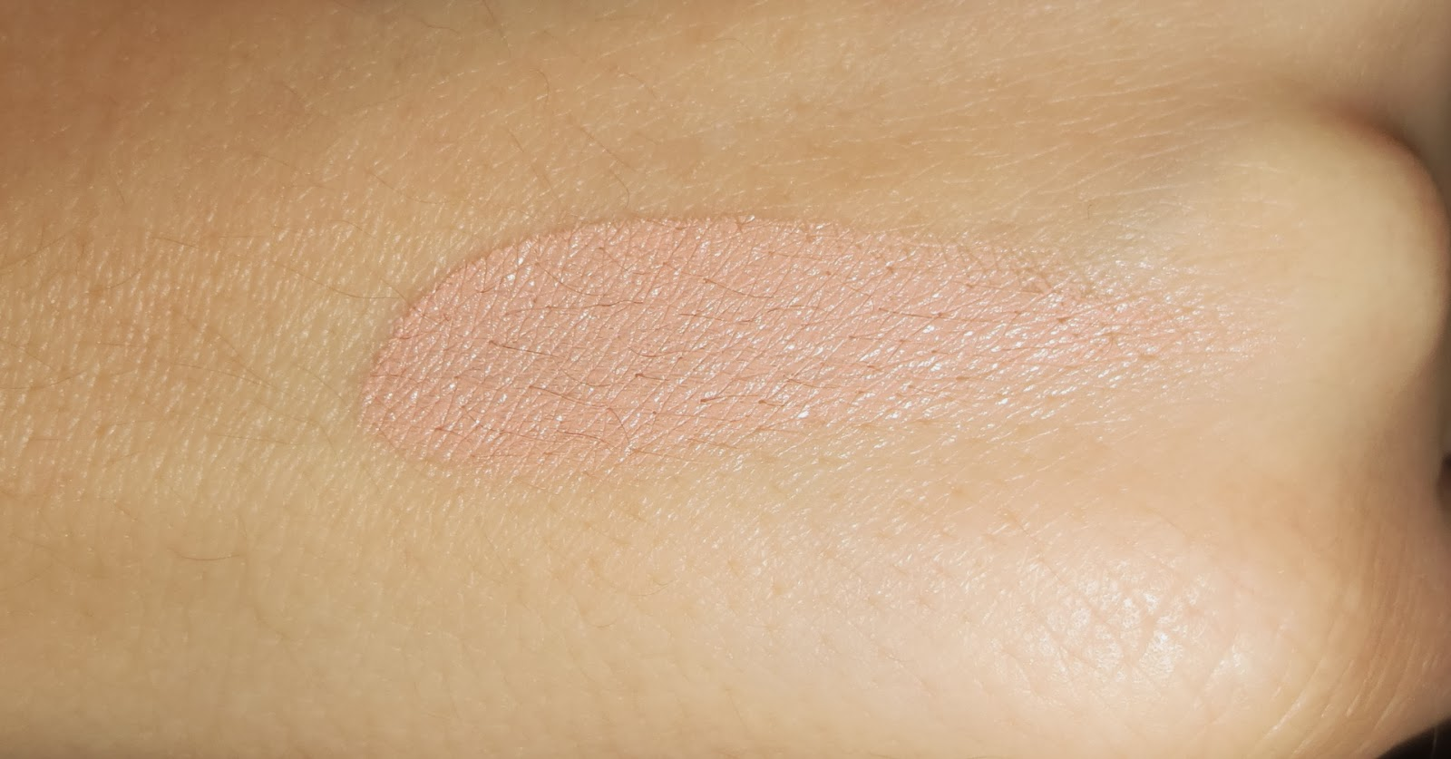 Bobbi Brown Corrector in Light Bisque Swatch