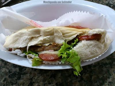Larica's Lanches: Sanduíche Da Casa