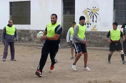 Figallo participó de una clínica de rugby en el Penal de Villa Las Rosas