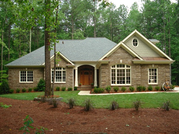 Brick vector picture brick ranch house plans for Brick traditional homes