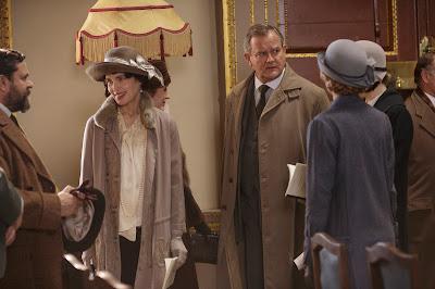 Hugh Bonneville and Elizabeth McGovern in Downton Abbey Season 6