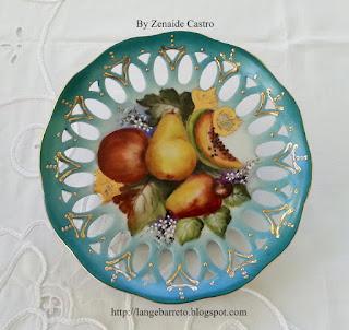 Porcelana pintada a mão by Zenaide Castro