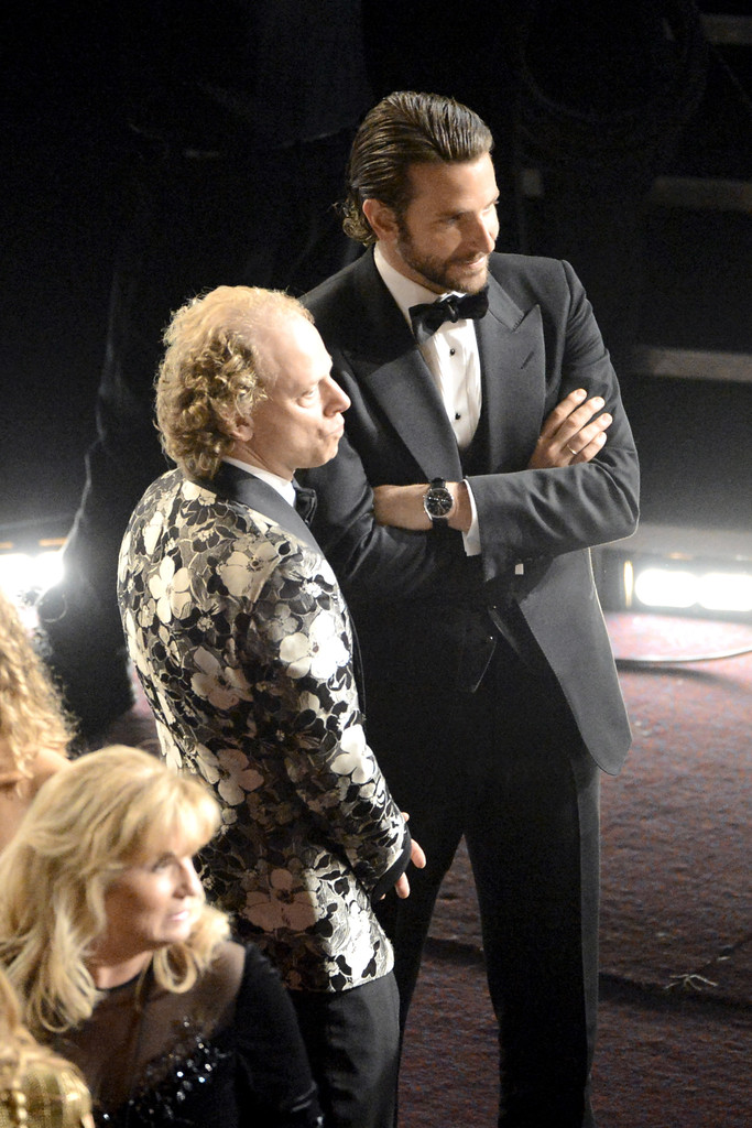 00O00 Menswear Blog Bradley Cooper in Tom Ford and IWC watch at 2013 Oscars