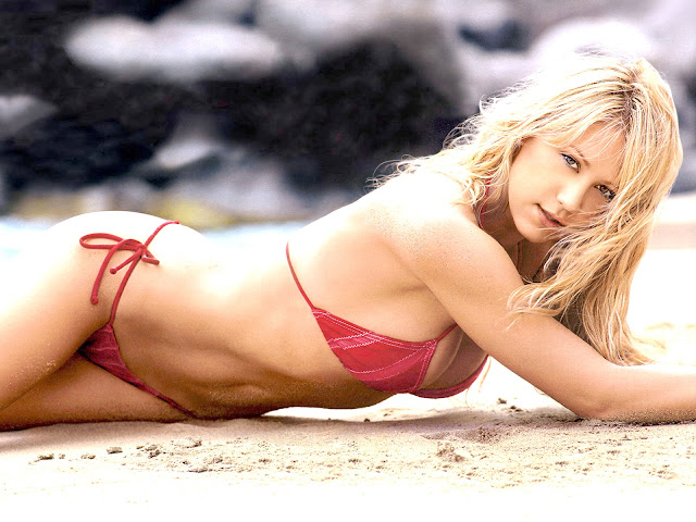 Anna Kournikova Hot Photos