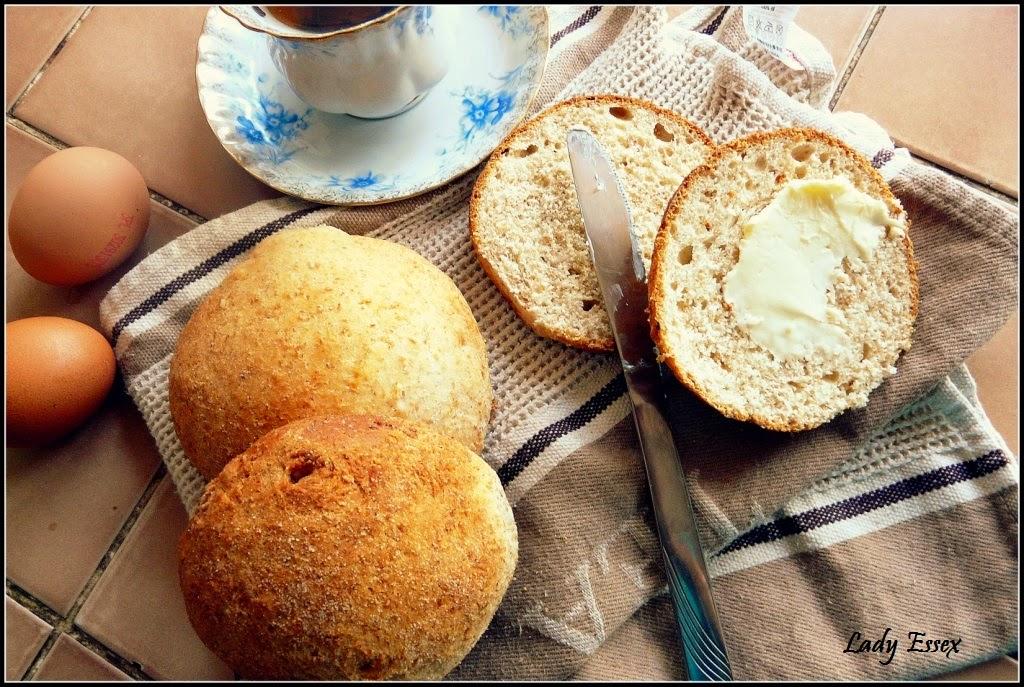 Bułeczki śniadaniowe pszenno - razowe