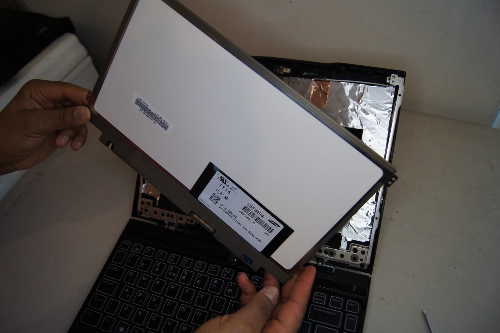 Lenovo Ideapad Z500 Screen Removal