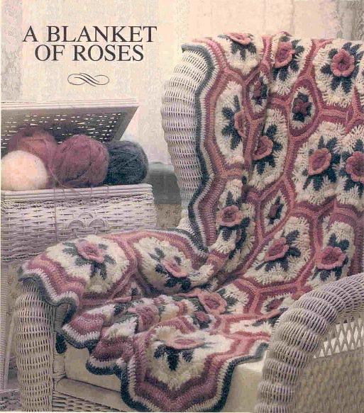 Вязаное шерстяное покрывало с розами